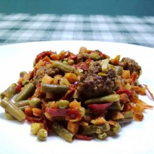 Брз ручек со зеленчук и мелено месо