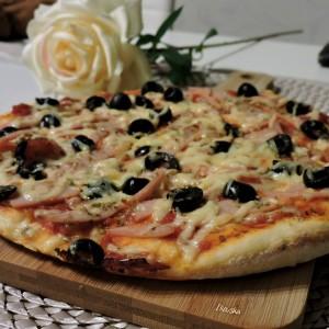 Брзо италијанско тесто за пица