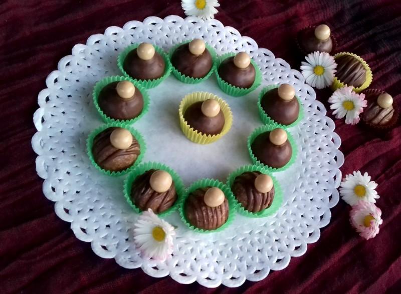 Чоколадни бомбици со лешници, наполитанки и кондензирано млеко