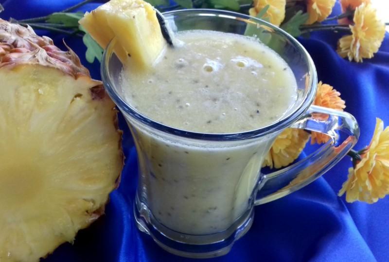 Смути со ананас, лимон и чиа семки