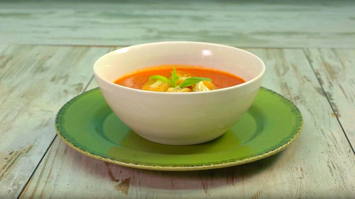 Видео рецепт  Супа од домати со брускети