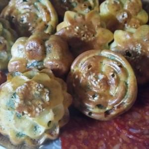 Солени мафинчиња со сирење, кулен и спанаќ