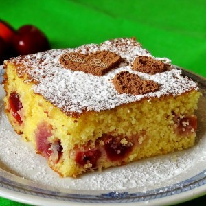 Колач со гриз и цреши (без брашно)