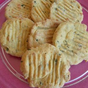 Солени кекси со магдонос и кашкавал