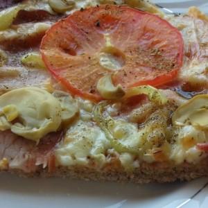 Пица од пченично интегрално брашно