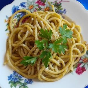 Шпагети со песто трапанезе