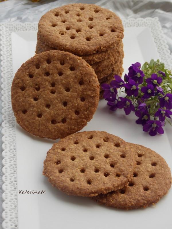 Интегрални бисквити со овесни снегулки