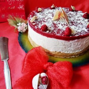 Сладолед чизкејк со малини