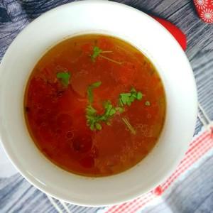Доматна супа со кашкавал и власец
