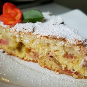 Рабарбер торта
