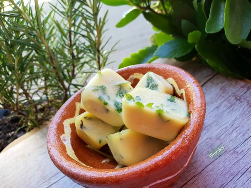 Зачини во маслиново масло