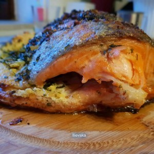 Печен лосос во фолија