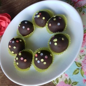 Чоколадни конфети со кондензирано млеко