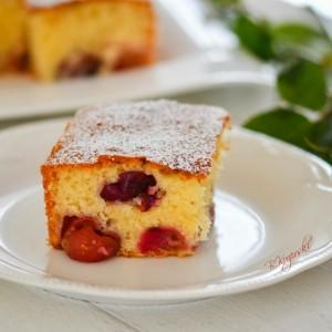 Брз колач со цреши