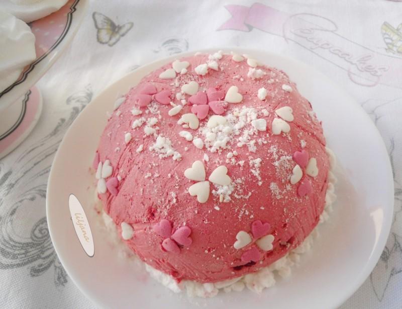 Сладолед торта со целуфки - Баисер