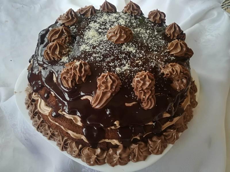 Чоколадна, нутела торта