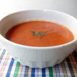 Домашен доматен сос со лук и кромид