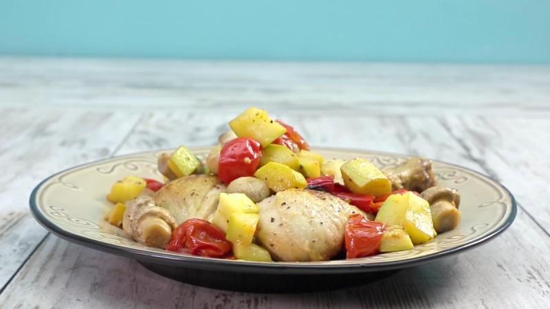 Видео рецепт: Пилешки копани со зеленчук