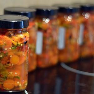 Медицинска салата со везени и со тенки пиперки
