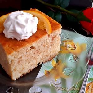 Потурен семолина кекс со јаболка