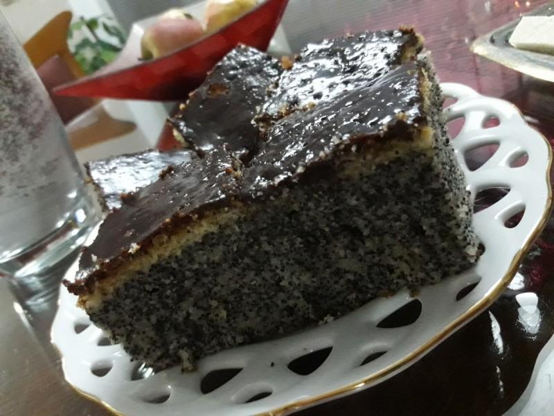 Брза торта со афион