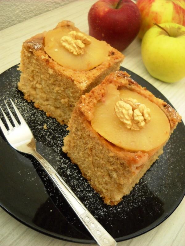 Превртен колач со �аболка и мед (без �а�ца)