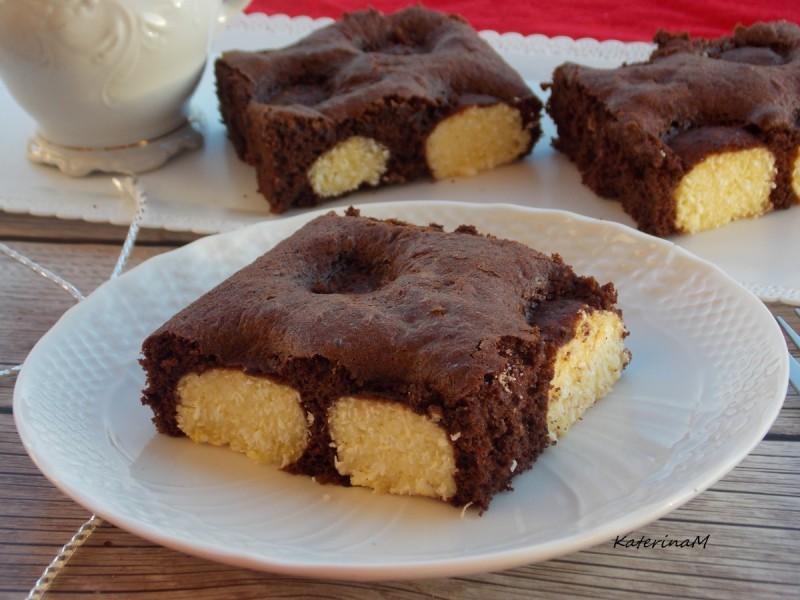 Чоколаден колач со бомбици