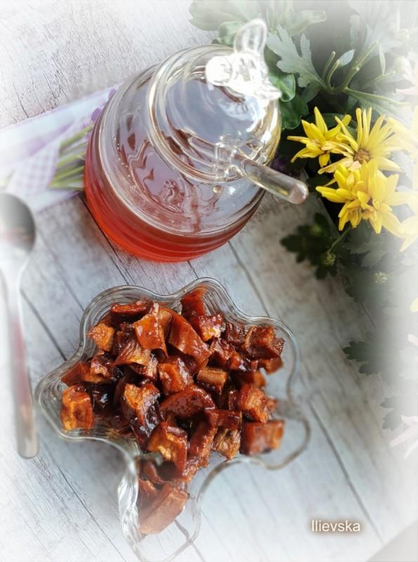 Десерт со сладок компир и мед