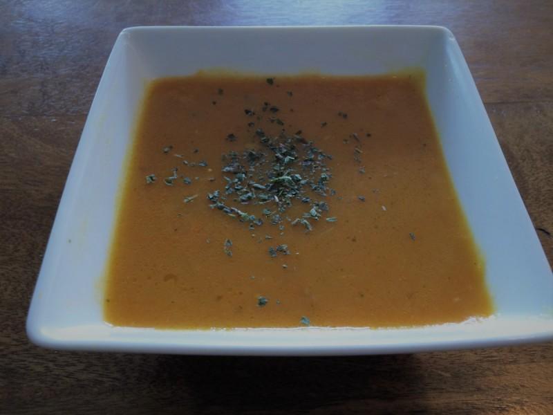 Супа од тиква со портокал