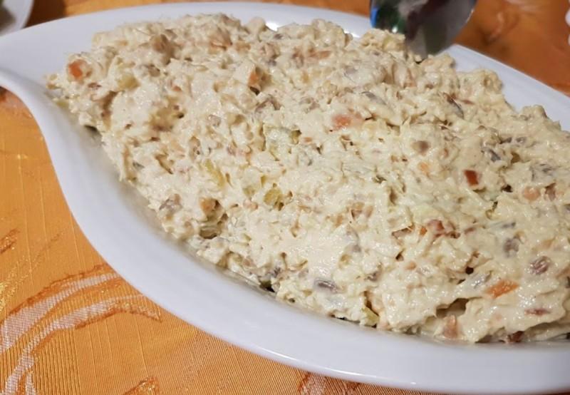 Индиска салата со пилешко месо