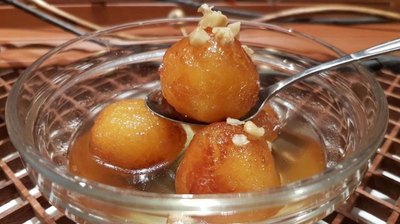 Гулаб јамун - индиски десерт