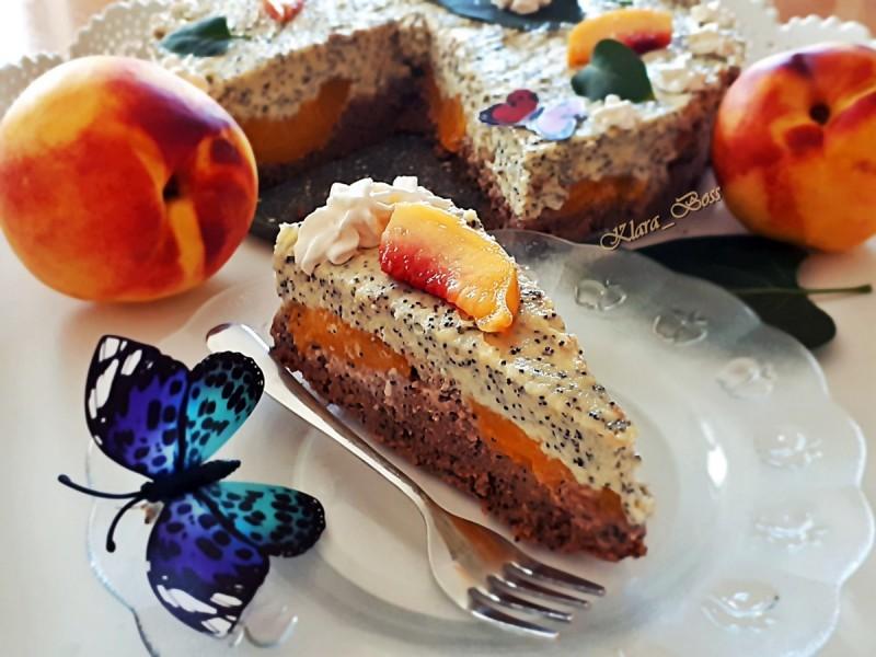 Торта со афион и конзервирани праски (без печење)