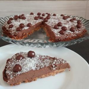Брз и лесен чоколаден тарт со бадеми