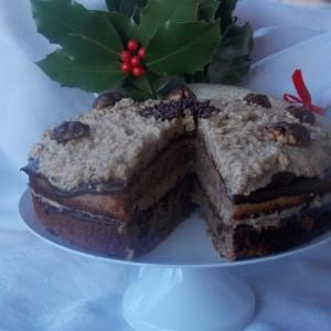 Посна торта со алва и ореви
