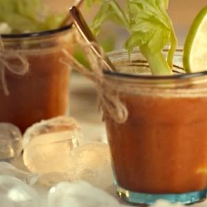 Видео рецепт: Коктел Bloody Mary