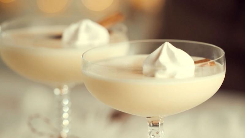 Видео рецепт: Ликер од млеко и јајца