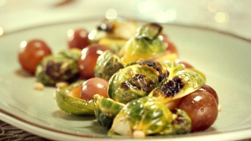 Видео рецепт: Печен зеленчук со овошје