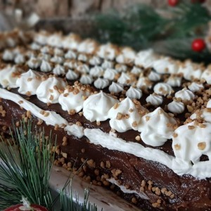 Чоколадна торта со грилјаж и таан алва (посно)