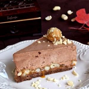 Чоко-карамел мус торта со кикирики (900-ти рецепт)