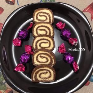 Ролат од Кокос и Бисквити