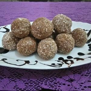 Бомбици со чоколадо и кокос