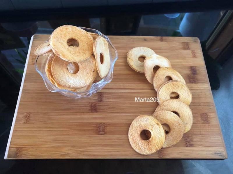 Домашен Bake Rolls од леб(со вкус на лук)