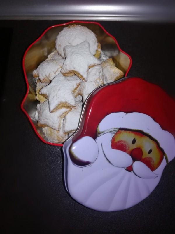 Божиќни колачиња со сок од портокал