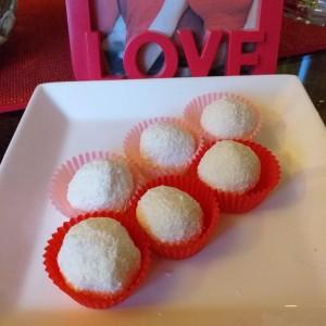 Рафаело бомбици со слатка павлака