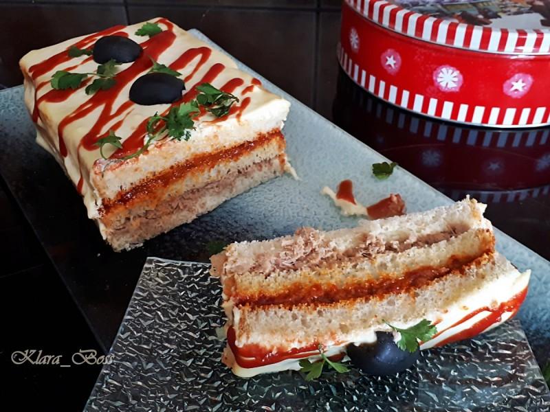 Тост торта со туна и ајвар