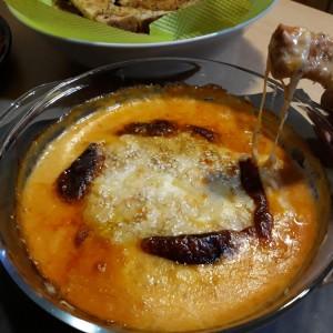Моето топено сирење со фурнаринки