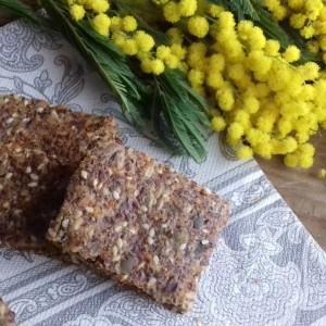 Солени грицки со разни семки
