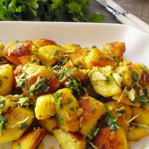 Прилог од печен компир со куркума