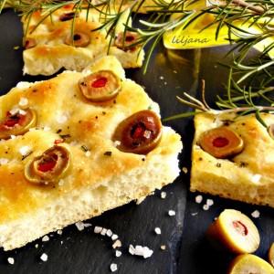 Фокација со компирово тесто