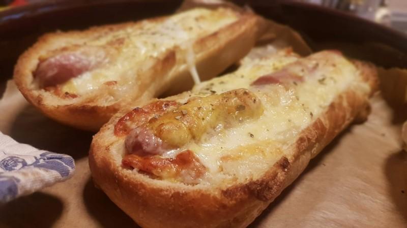 Полнети кајчиња од багет леб